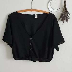 black button knot tie boxy H&M divided crop top